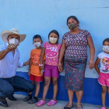 Puesto de vacunación contra COVID-19 en Escuela de Lo de Carranza